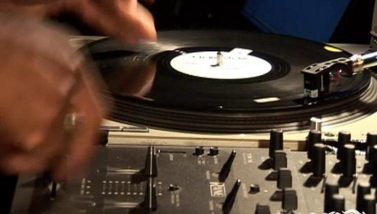 Rob-Swift-1st-scratch-live-at-United-DJs-Melbourne-Australia